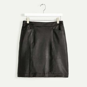 ⭐️ Host Pick ⭐️ Leather Skirt with Pockets